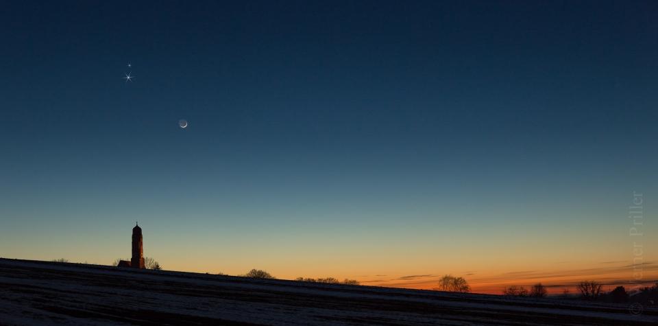 Moon.Venus.Mars.20.02.2015-1